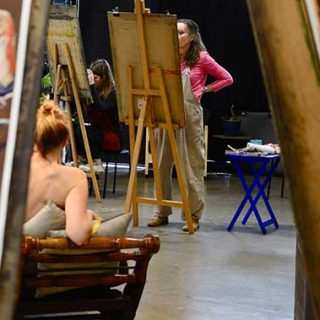 Long Pose Life Drawing At The Art Room, Melbourne